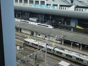 トレインビューJR側のお部屋からは京都駅発着のJR在来線がご覧いただけます。