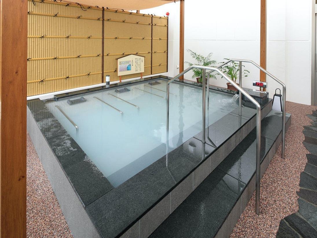 *【露天風呂】2019年夏にオープンした温浴施設。寝湯などの多彩な湯あみがお楽しみいただけます