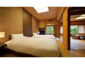 【和室12.5畳+次の間 ベッド付和室】花かんむり 二間(禁煙)※お部屋が2つある広々としたお部屋です。次の間にはシモンズベッドとくつろぎ枕をご用意し、うれしい禁煙ルームとなっております。