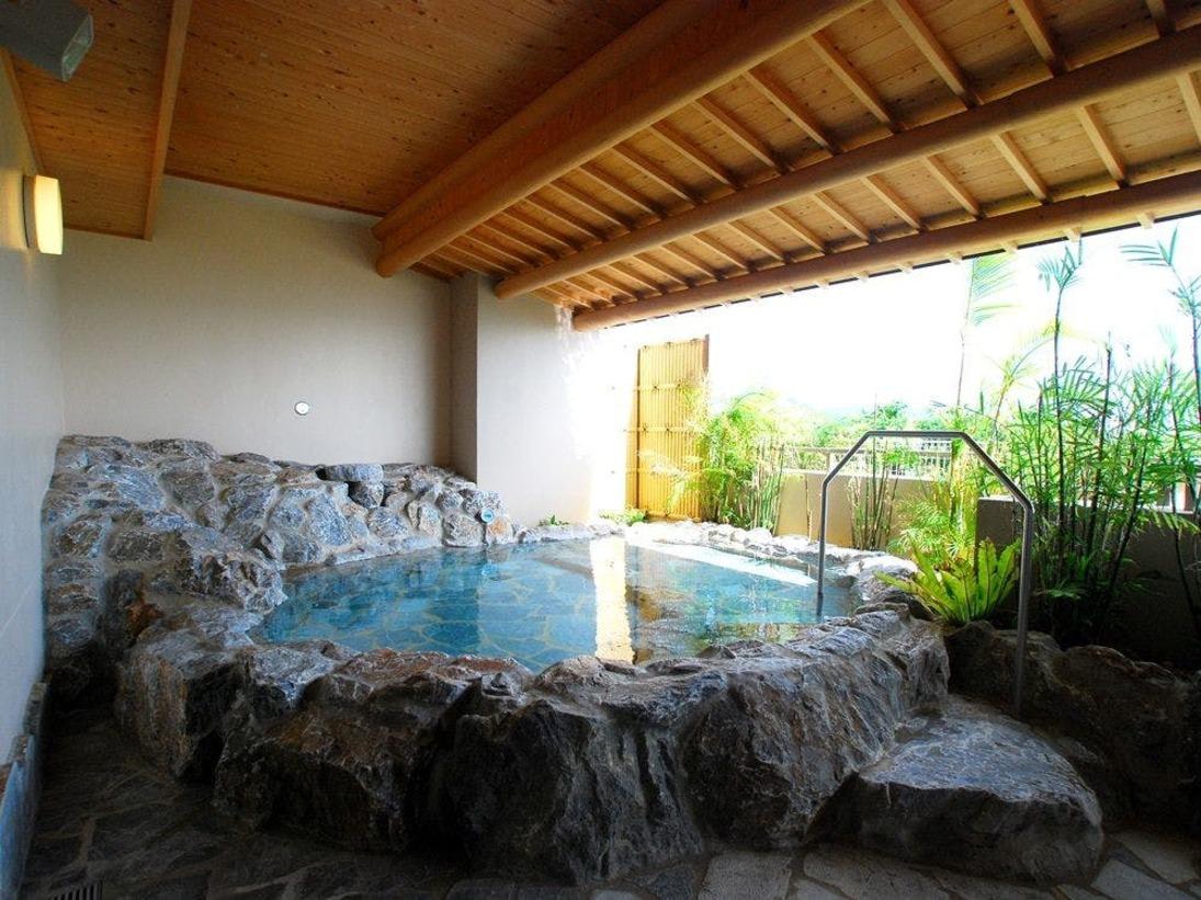 【大浴場『華のゆ』】海風が心地よい屋外露天風呂