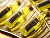 この奇跡のオイルを贅沢に一本使い切るバリニーズコースが人気。