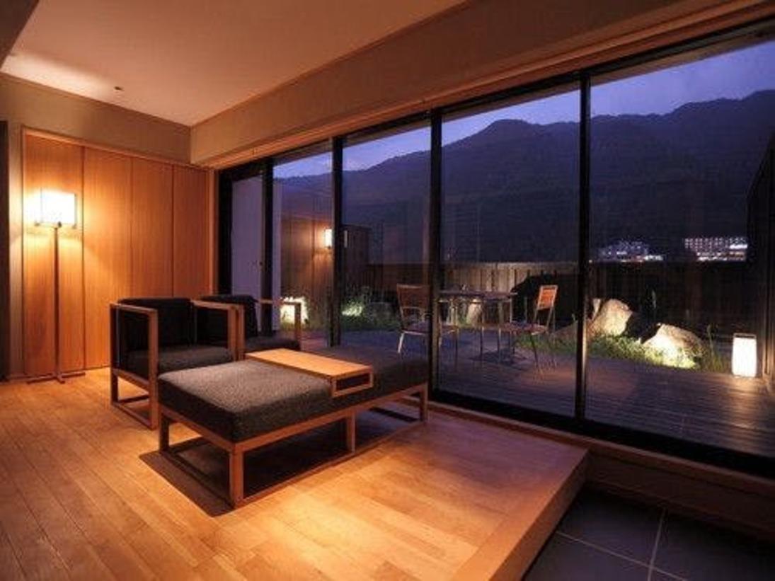 伝統と洗練のお部屋、五感で感じる六番目の空間。