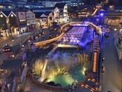 草津温泉の観光名所「湯畑」夜のライトアップ。草津の夜は、湯畑散策がお勧めです。無料送迎バスもございます。