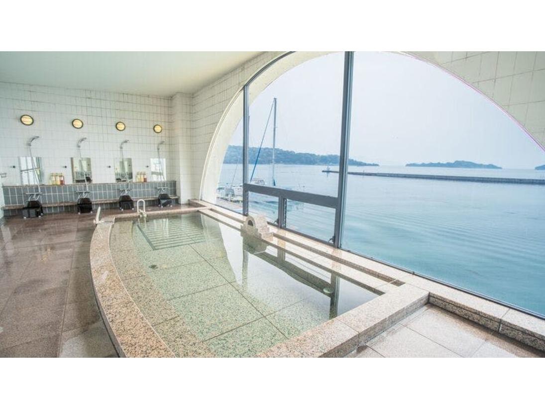 【浴室】海が見渡せる大浴場