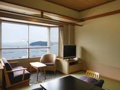 一般客室より海を眺める