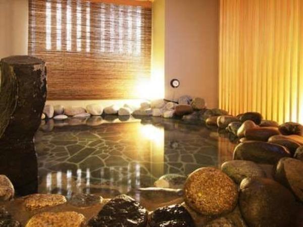男性大浴場岩風呂