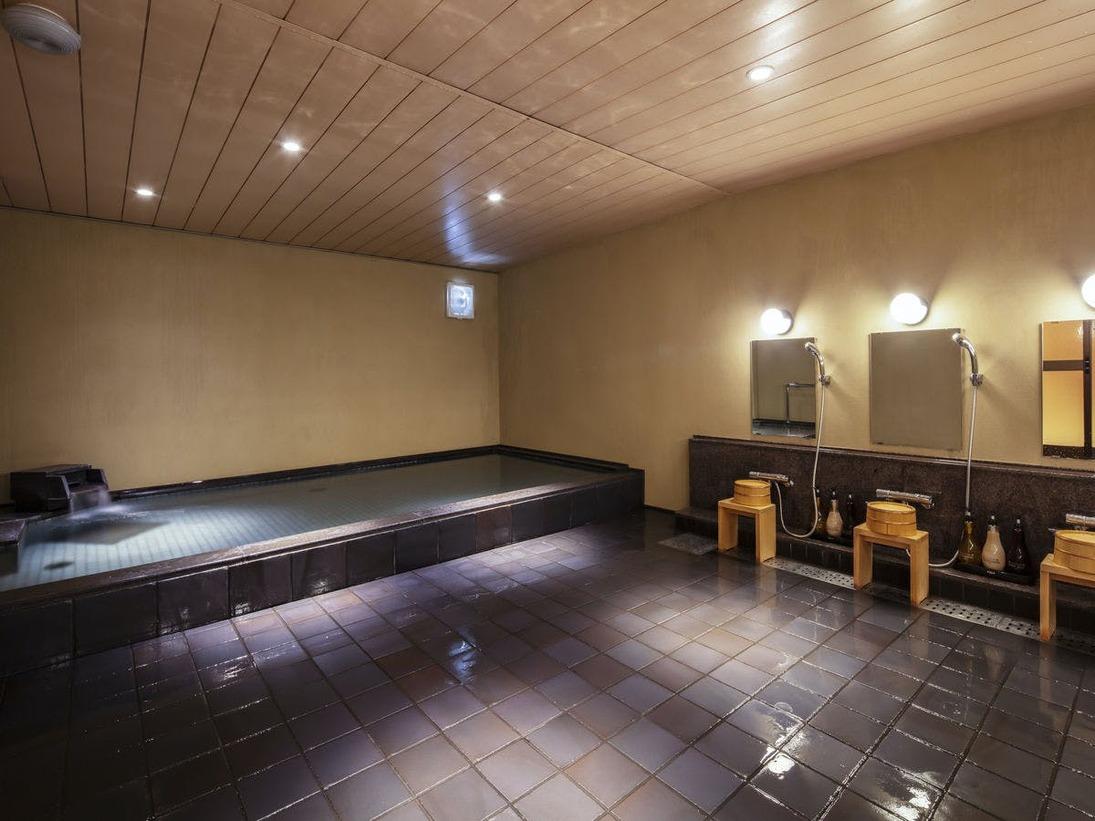 【大浴場】細かな泡が体について、まるでラムネの中のような人工炭酸泉を使用