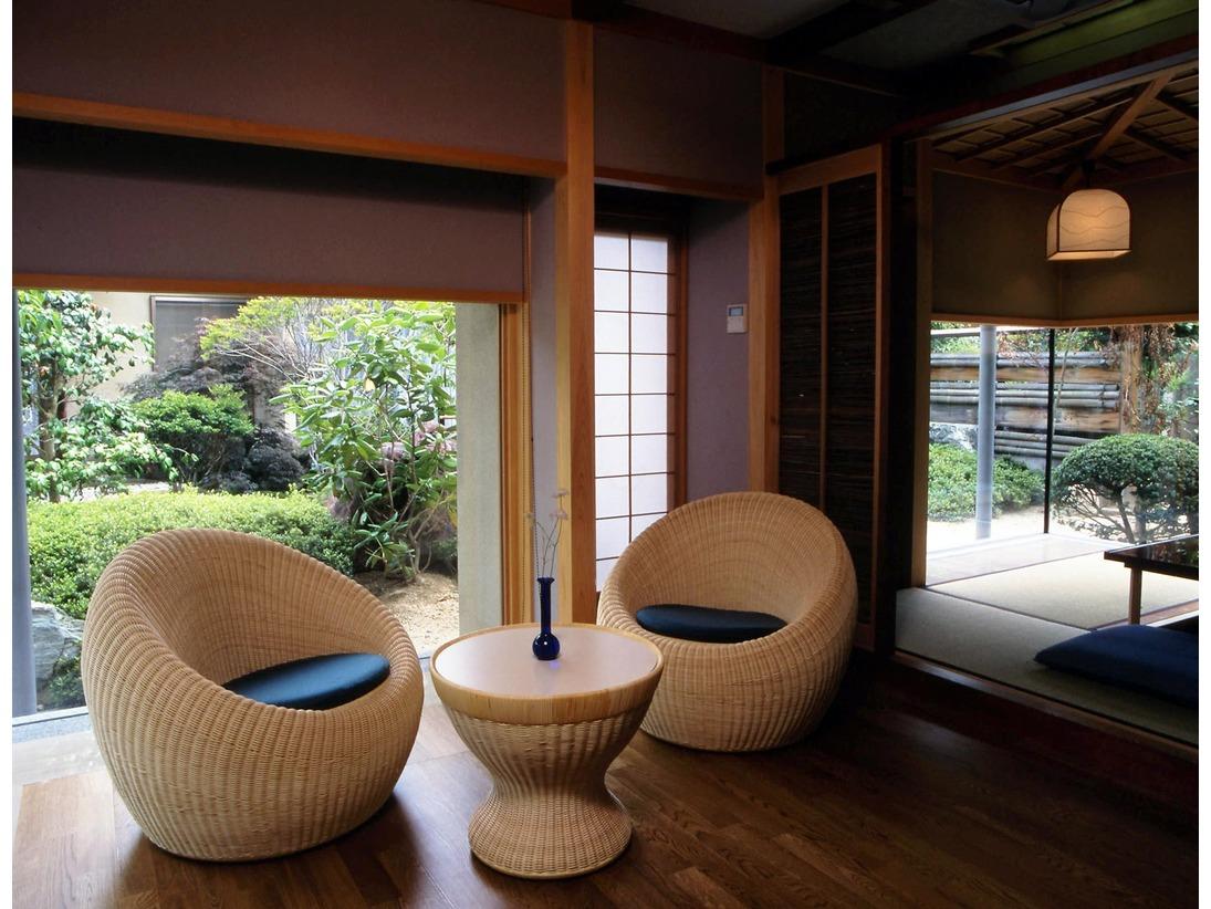 結崎タイプのリビングのイメージとなります。お庭も良く見え快適なお部屋です。