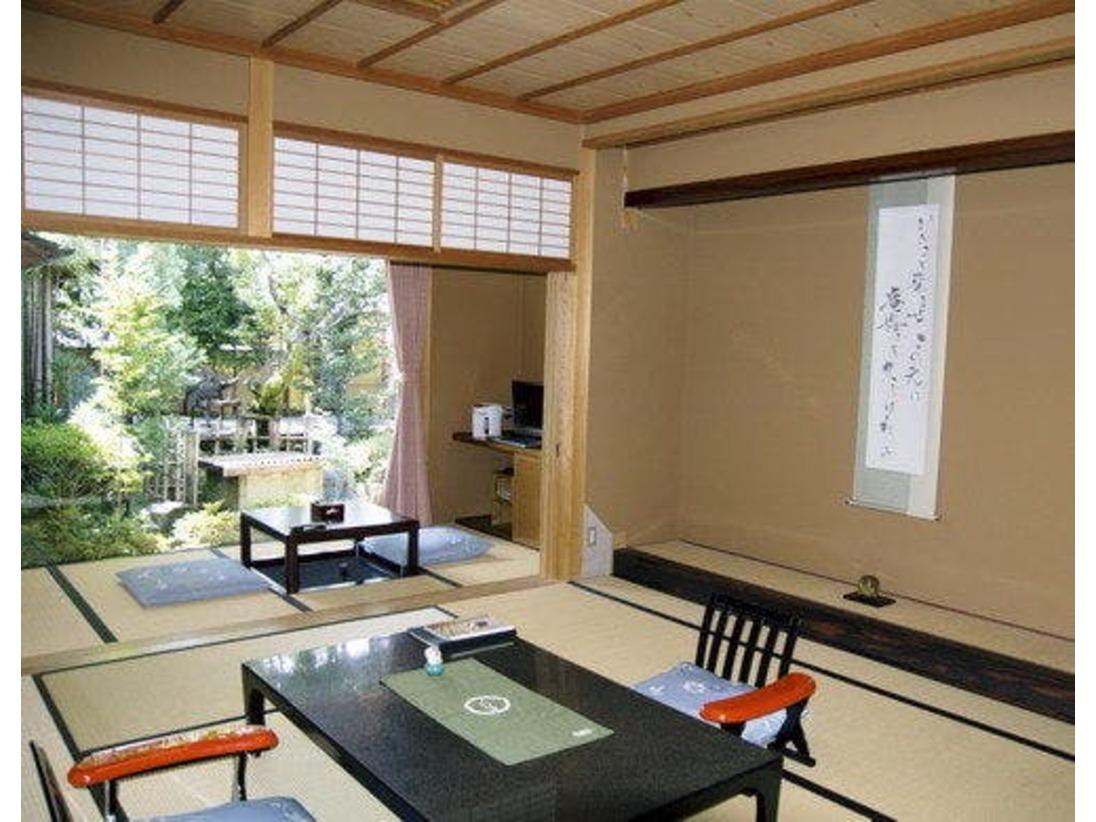 当館特別室、結崎タイプの本間画像です。温泉付き和室でごゆっくりとお寛ぎいただけます。