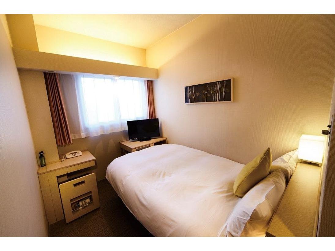 【シングルプラス】ベッドはアンネル社製のポケットコイルを採用。120サイズのセミダブルベッド♪