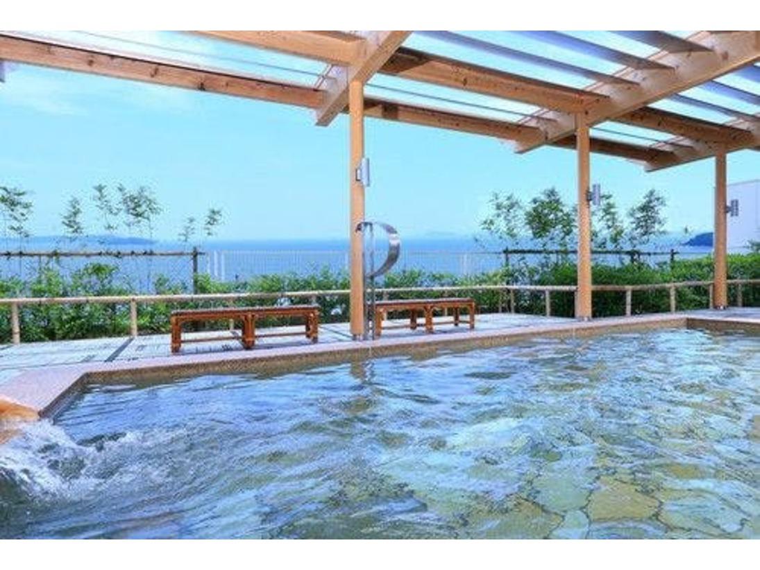 三河湾の絶景を見ながらの露天風呂は最高!