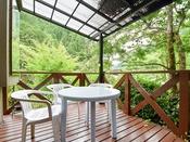 *【テラス】龍神村の爽やかな自然を満喫できる癒しの場所。