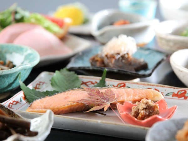 すべて手作りの体に優しい和食膳をご用意