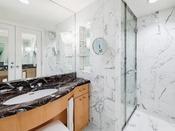 デラックスダブル バスルーム