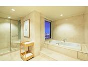 【ラグジュアリーフロア】最上階34階 クラウンスイート バスルーム