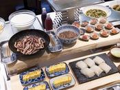 朝食ブッフェ ~和食イメージ~ 函館産「イカ刺し」・北海道産「タラコ」、厚焼き玉子も