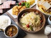 朝食ブッフェ ~洋食イメージ~ スパゲッティやホタテ・イカ・サケのフライなど週替りのメニューも