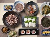 朝食ブッフェ ~和食イメージ~ 「イカ刺し」や「タラコ」、「ガゴメ昆布」など地産地消にこだわってます!