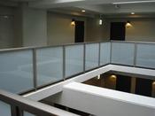 外廊下(吹き抜け)