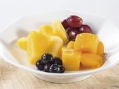 栄養価たっぷりのフルーツは1日のはじまりにおすすめ。ワッフルやヨーグルトとの相性も抜群です。