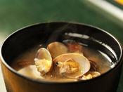 *【朝食バイキング(一例)】身体に優しいあさりの味噌汁♪
