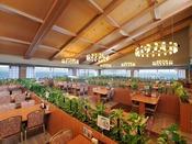 *【バイキングホール「若汐亭」(一例)】旬の味覚たっぷりのバイキングを、海を眺めるレストランで!