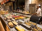 *【ディナーバイキング(一例)】みんな嬉しいお寿司も!(提供方法が異なる場合があります)