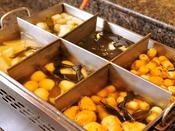 *【ディナーバイキング(一例)】プールの後は、おでんが美味しい♪おいしい和食もいっぱいです!