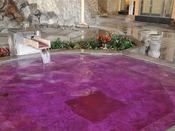 *【龍宮の湯:展望大浴場 外湯】「ハーブの湯」に浸かれば、香りでも安らげます