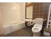 ワイドバスルームの広いお風呂で解放的なバスタイムをお楽しみください。