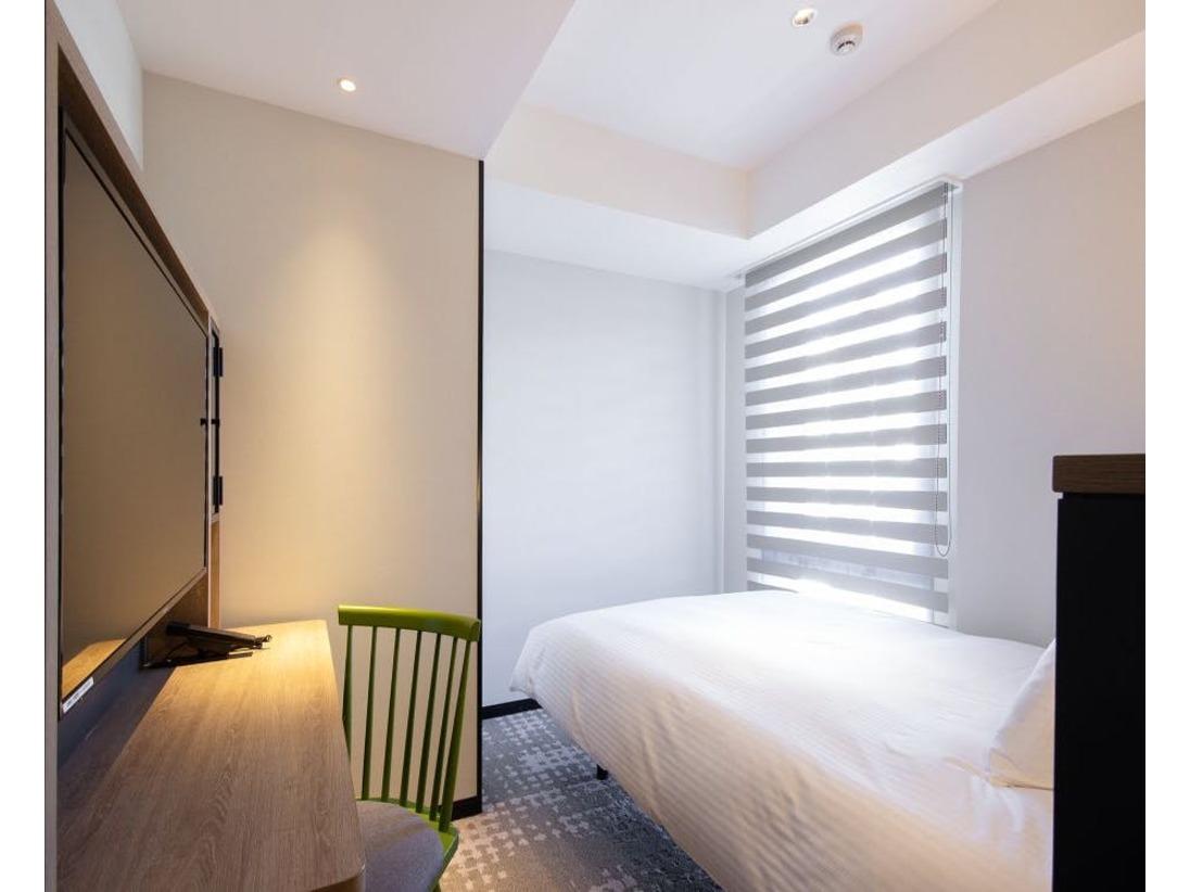 【客室】スーペリシングル/シャワー・・部屋広さ…16m2・宿泊人数…1~2名・ベッド幅…140cm