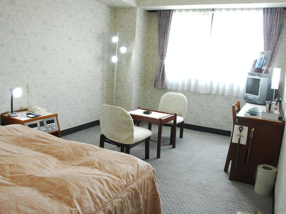 余裕の広さ(18平米)、広いお部屋を一人占め。