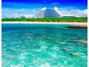 ビーチから見たホテル