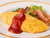 新潟県新発田市の「思い出たまご」を使用。シェフが目の前でお作りするふわとろオムレツは朝の人気メニュー