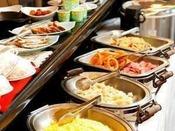 ◆品数豊富なバイキング朝食が好評!