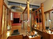 「サブリナ シューシャイン」 イーストタワー 1Fプロの靴磨きもご用意しております。