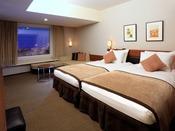 ◆ハース・シンフォニールーム◆アースカラーを基調とした落ち着きのある空間。やさしく包み込むベッドや植物の力を生かしたアメニティが上質なホテルステイをお約束します。
