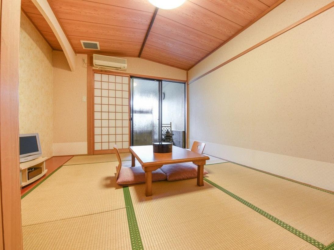 *お部屋(一例)スタンダードな和室。畳のお部屋でゆっくりとお寛ぎください。