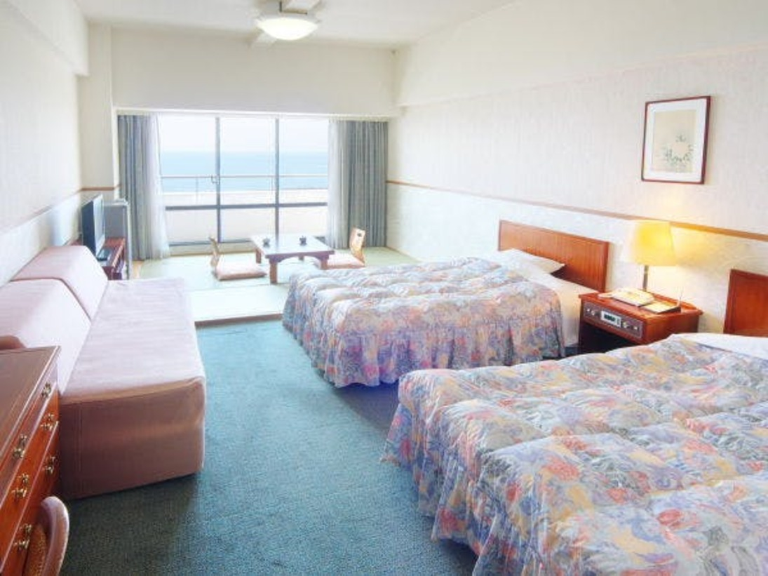 【和洋室イメージ】ファミリールームは36平米の洋室のなかに、畳の間をご用意した簡易和洋室です。