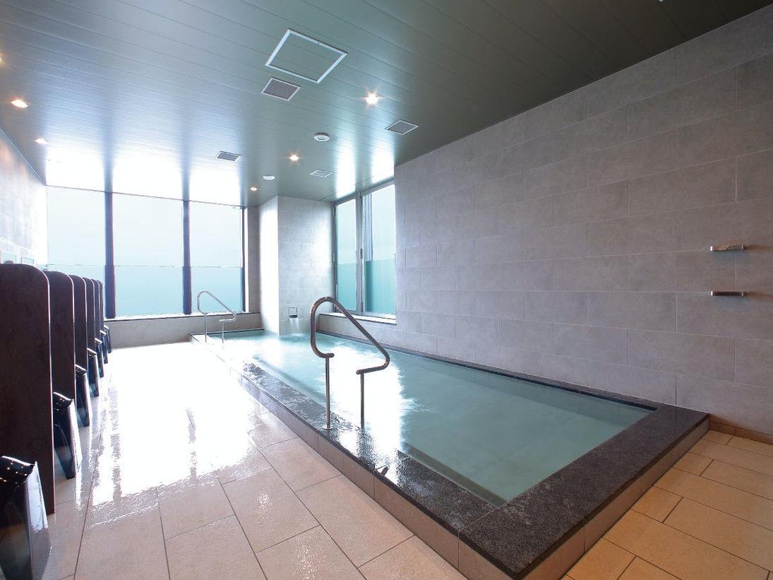 13階 温泉内湯