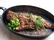 【朝食】人気のアクアパッツア。魚介の旨味が凝縮された本場の味。