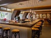 「カフェレストラン24」カウンター席(カウンター席には電源がございます)