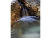 """皆生温泉は""""塩化物泉ナトリウム""""なので、冷え症や関節痛など効能があり、さらに美肌の湯とも言われ湯上り後のお肌はツルツルです"""