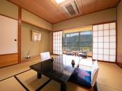 【川側◆和室】[8畳] 錦川や城下町の穏やかな情景も楽しめる『基本のお部屋』です