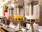 朝食 和洋バイキング:ドリンクコーナー(珈琲、紅茶、ジュース、牛乳等が飲み放題!)
