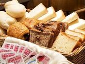 朝食 和洋バイキング:パンコーナー(4種類からお選びできます)