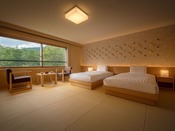 【リニューアルされた和室ツインルーム】秋田杉を使用した、畳とベッドのお部屋にリニューアル