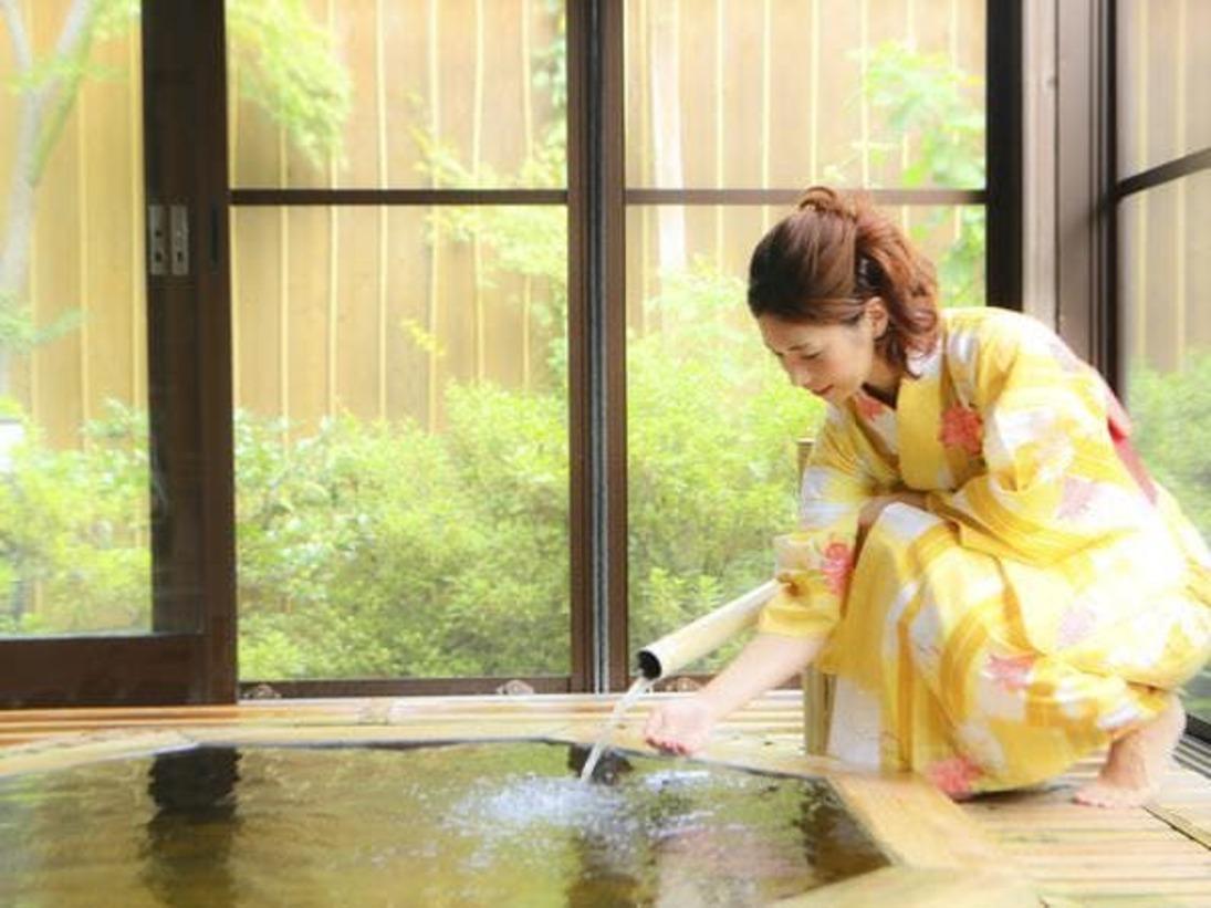 天然温泉100% 源泉かけ流し 檜造りの貸切露天風呂