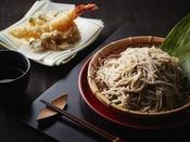 打ちたてのお蕎麦と揚げたての天ぷら
