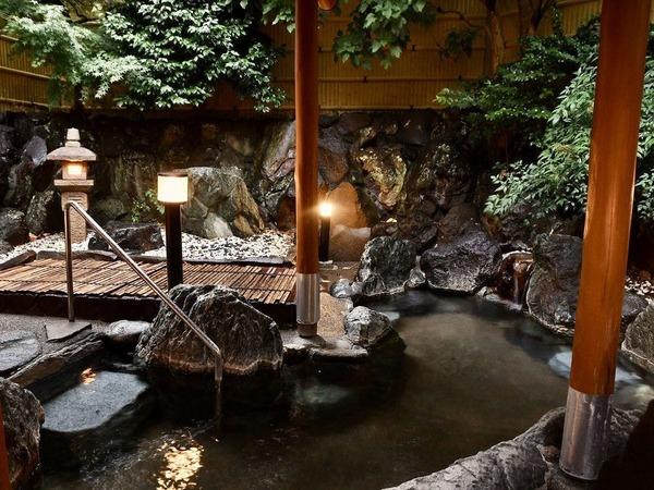かけ流しの温泉をお楽しみください